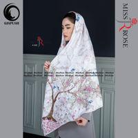 روسری ابریشم مامی طوسی طرح شکوفه تکتم برند میس رز در گیسپوش